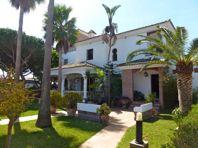 Pino,Grosse und komfortable Villa  mit Gemeinschaftspool in Chiclana de la Frontera, in Andalusien, Spanien für 11 Personen.....