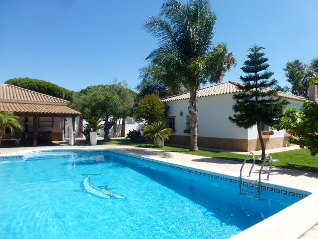 La Madruga, Villa in Chiclana de la Frontera, Andalusia, Spain  with private pool for 6 persons.....