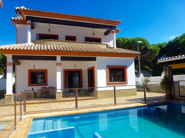 Isabel, Villa in Chiclana de la Frontera, Andalusia, Spain  with private pool for 9 persons.....