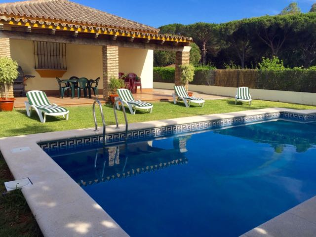 Ortiz, Rustic and comfortable villa in Chiclana de la Frontera, Andalusia, Spain  with private pool for 8 persons.....