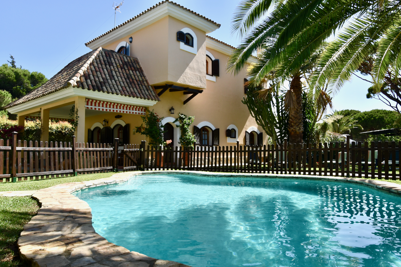 Lux, Villa  with private pool in Conil de la Frontera, Costa de la Luz, Spain for 6 persons.....