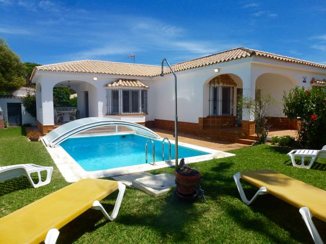 Breizh, Villa  with private pool in Chiclana de la Frontera, Andalusia, Spain for 7 persons.....