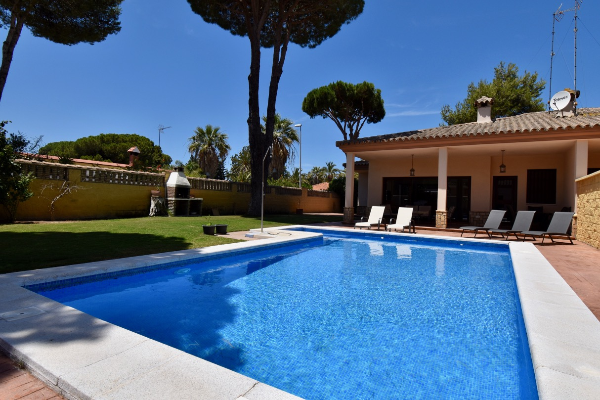 Encarni, Villa  with private pool in Chiclana de la Frontera, Andalusia, Spain for 6 persons.....