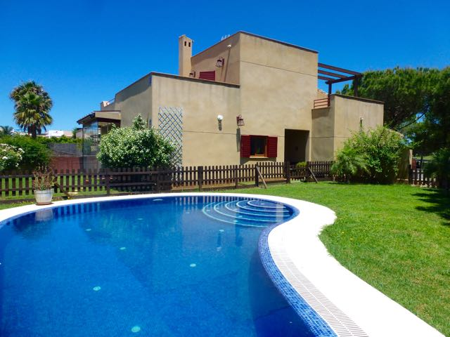 Green 4, Villa in Chiclana de la Frontera, in Andalusien, Spanien  mit privatem Pool für 10 Personen.....