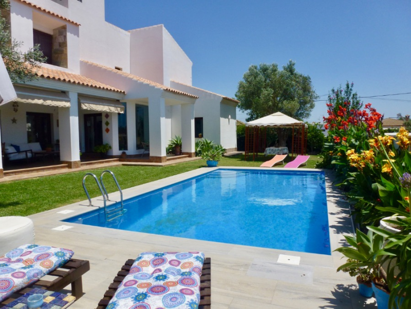 Relax, Villa  with private pool in Chiclana de la Frontera, Andalusia, Spain for 10 persons.....