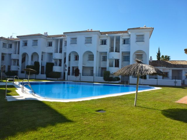 Alextia, Classic apartment  with communal pool in Chiclana de la Frontera, Andalusia, Spain for 6 persons.....
