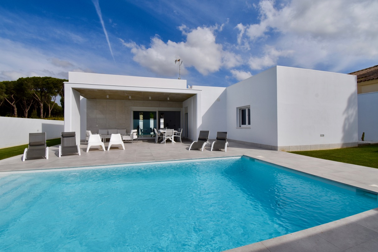 Ari, Villa in Chiclana de la Frontera, Andalusia, Spain  with private pool for 8 persons.....
