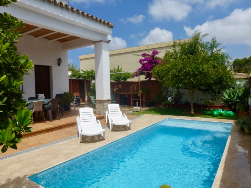 Ana, Lovely and comfortable villa in Chiclana de la Frontera, Andalusia, Spain  with private pool for 8 persons.....