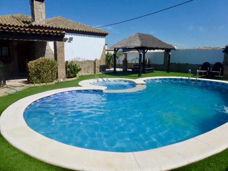 Del Galgo, Lovely and comfortable villa  with private pool in Chiclana de la Frontera, Andalusia, Spain for 6 persons.....