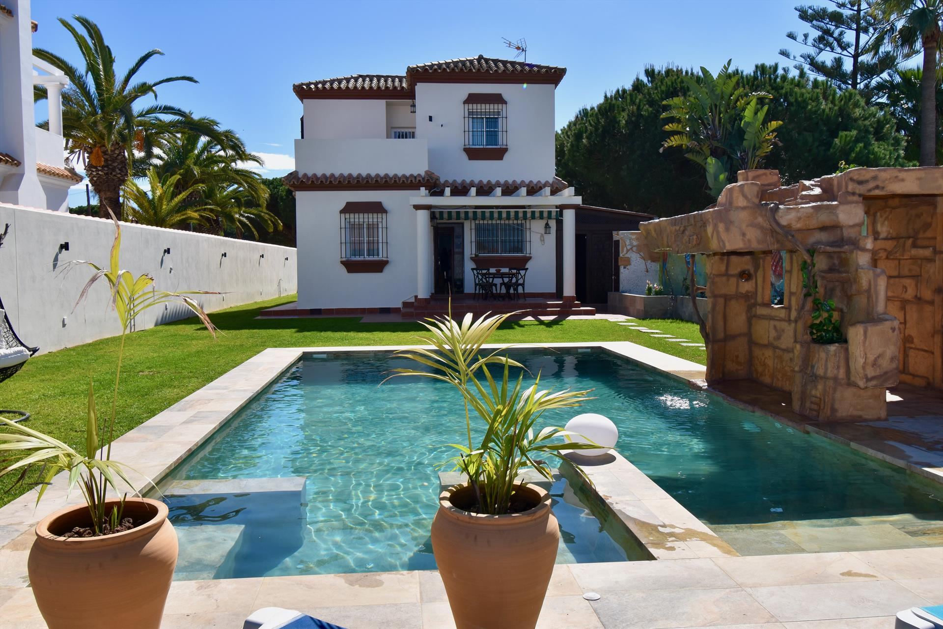 Mundo Nuevo, Villa  with private pool in Chiclana de la Frontera, Andalusia, Spain for 6 persons.....