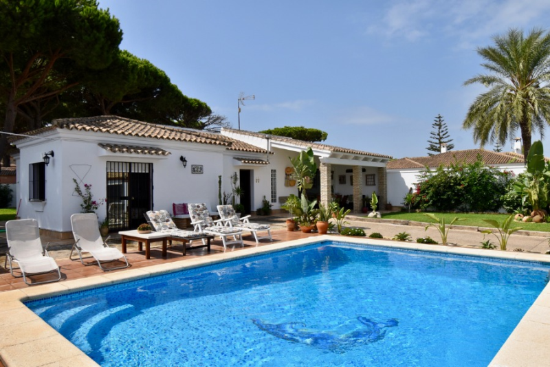 El Mencal,Villa  with private pool in Chiclana de la Frontera, Andalusia, Spain for 6 persons.....