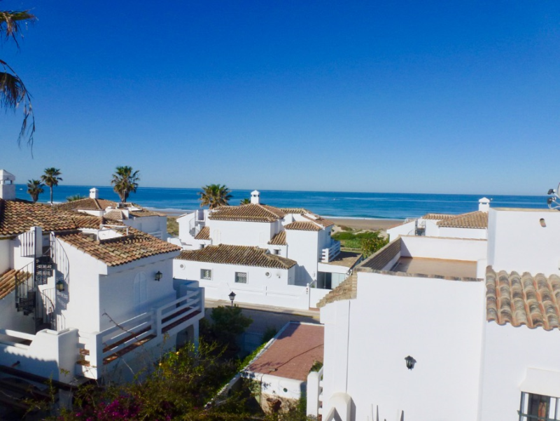 Casa Oceano, House  with communal pool in Chiclana de la Frontera, Andalusia, Spain for 8 persons.....