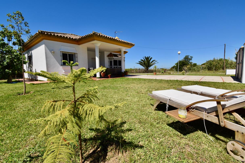 Isla de las Palomas,Villa en Chiclana de la Frontera, Andalucía, España para 5 personas.....