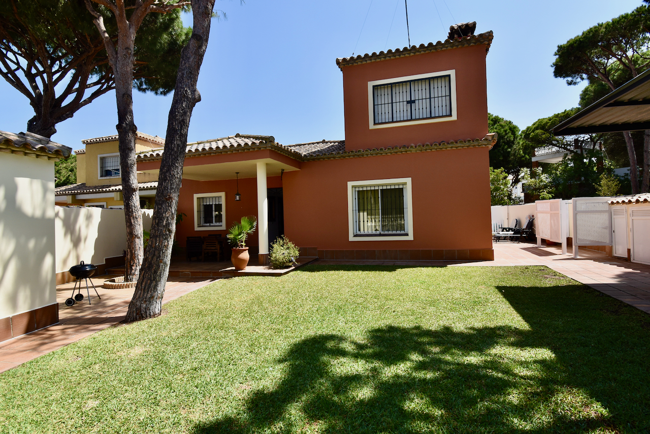 Valle de Bravo 4, Villa in Chiclana de la Frontera, Andalusia, Spain  with private pool for 8 persons.....