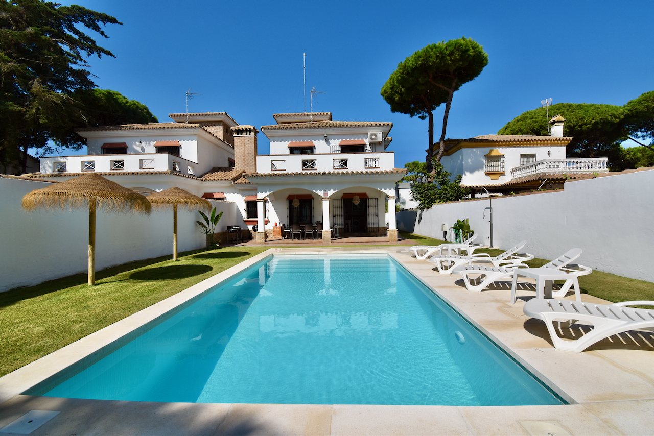 Miudino, Villa  with private pool in Chiclana de la Frontera, Andalusia, Spain for 8 persons.....