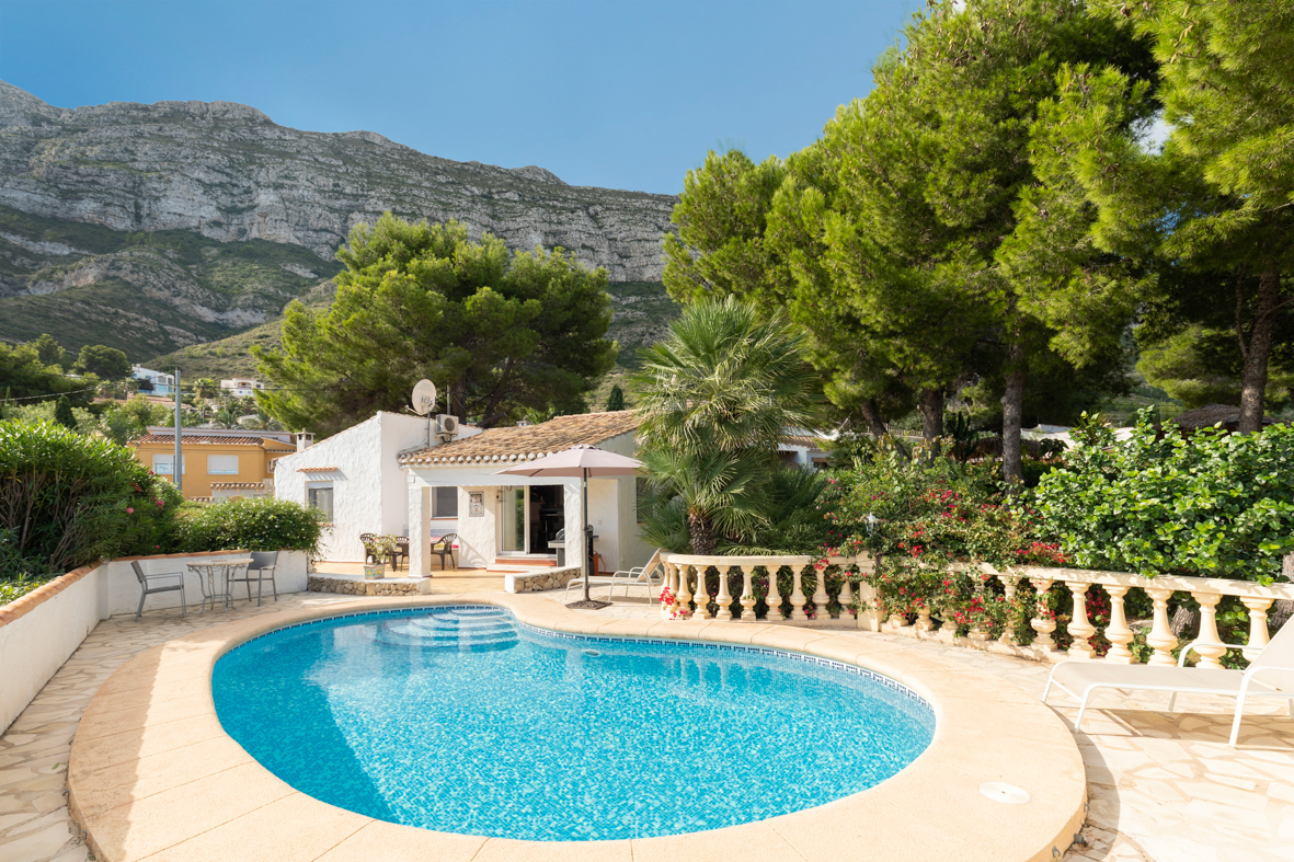 El Corazon, Classic and cheerful villa in Denia, on the Costa Blanca, Spain  with private pool for 7 persons.....