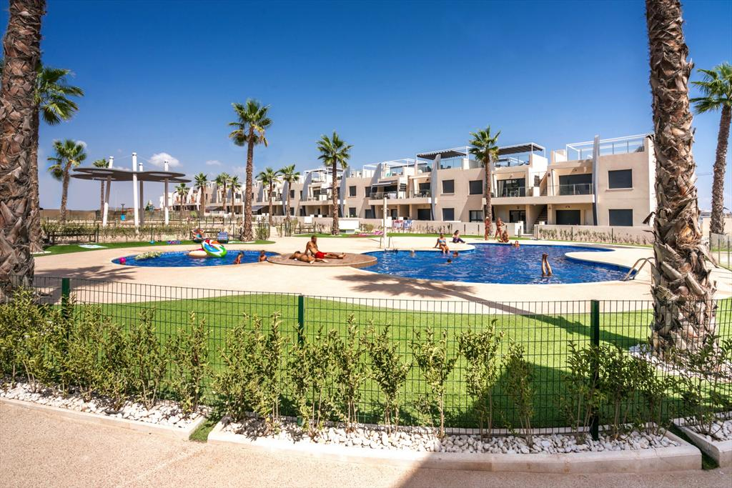 Claveles,Wonderful apartment  with communal pool in Orihuela Costa, on the Costa Blanca, Spain for 4 persons.....
