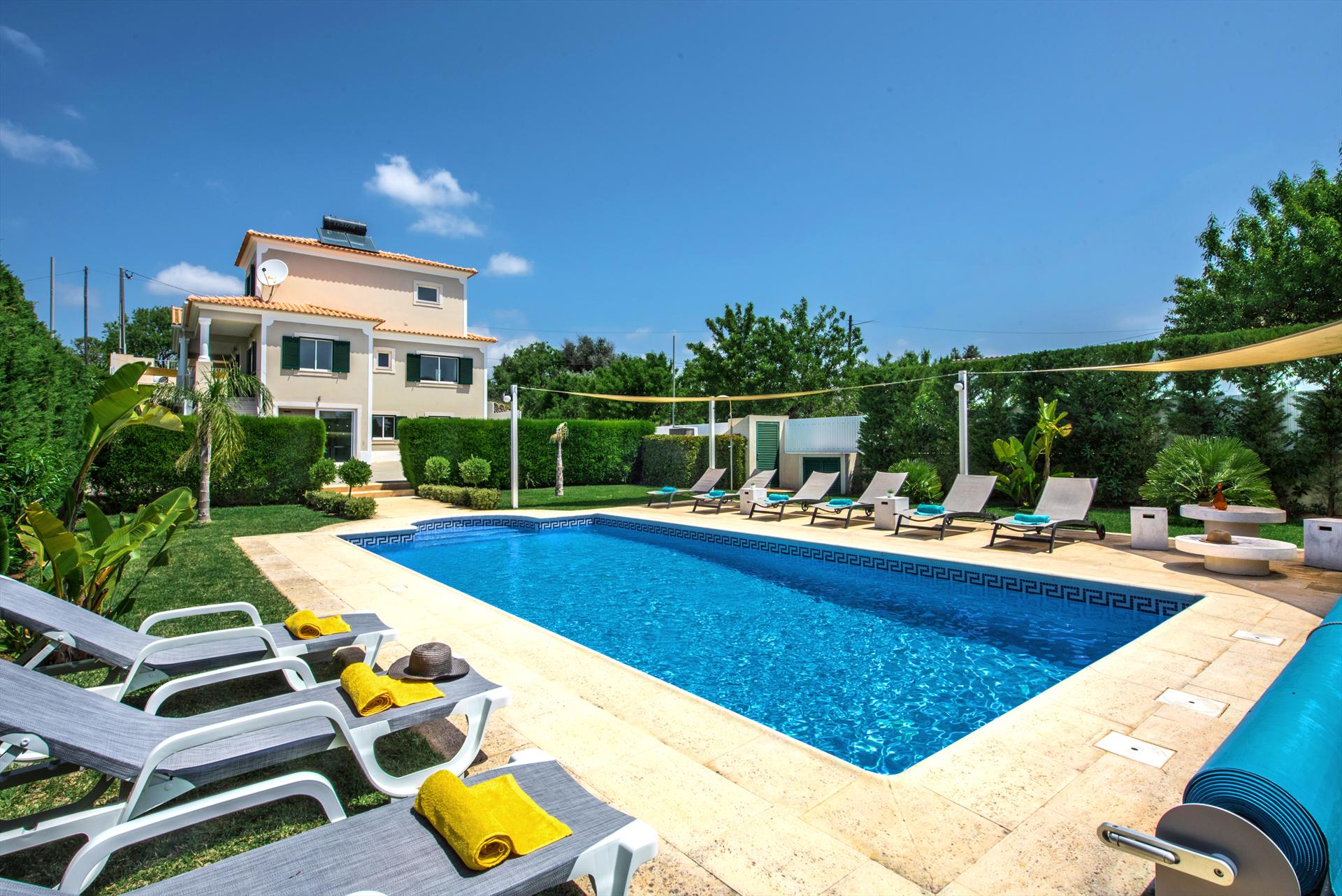 Villa Albufeira LS215, Large and luxury villa  with private pool in Albufeira, on the Algarve, Portugal for 10 persons...