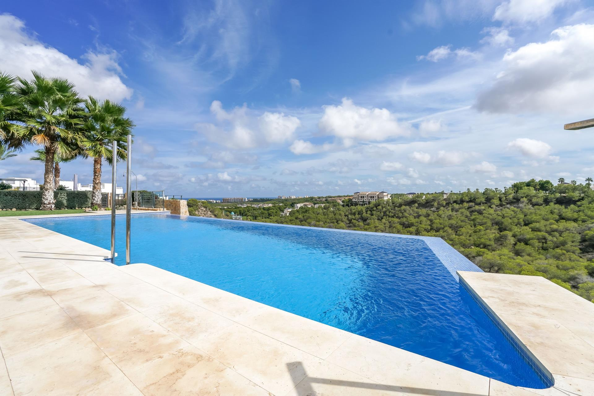 Sena, Lovely and luxury apartment  with communal pool in Orihuela Costa, on the Costa Blanca, Spain for 6 persons.....