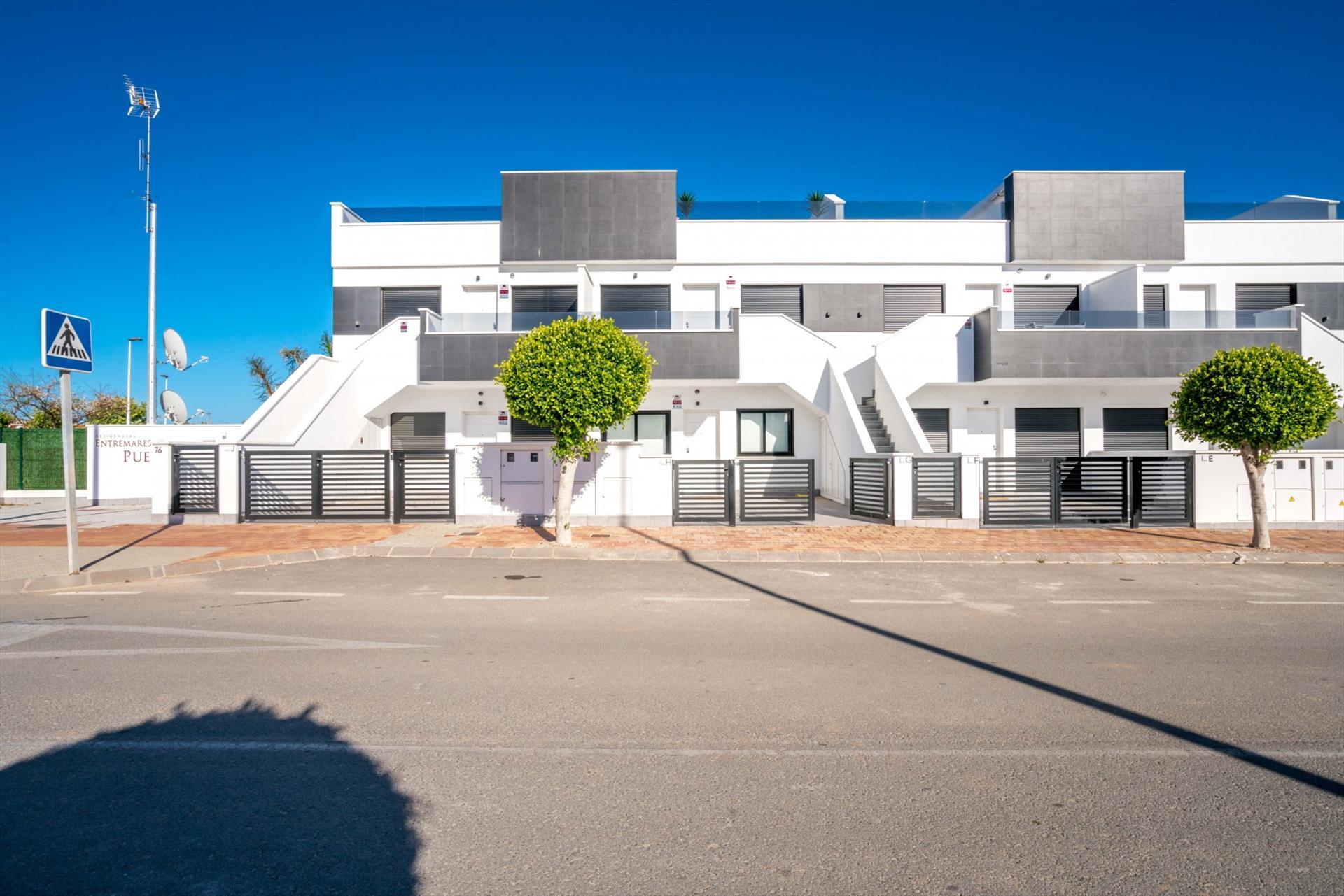 Limon,Apartamento moderno  con piscina comunitaria en Orihuela Costa, en la Costa Blanca, España para 4 personas...