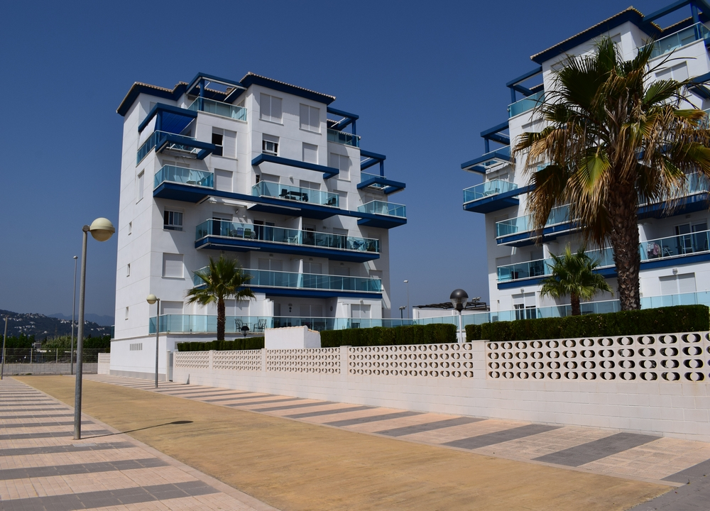 AP6222 Platja Burguera, Modern and cheerful apartment in Oliva, on the Costa Blanca, Spain  with communal pool for 6 persons.....