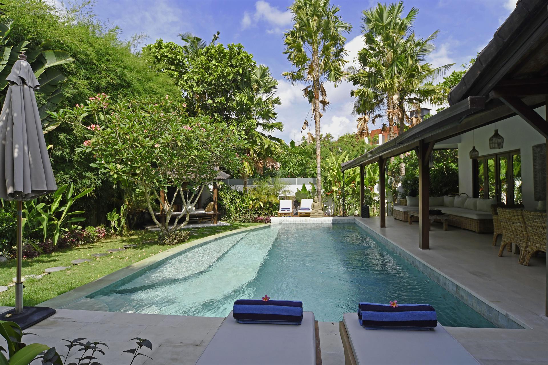 Villa High Tide,Prachtige en luxe villa  met privé zwembad in Canggu, op Bali, Indonesië voor 6 personen...