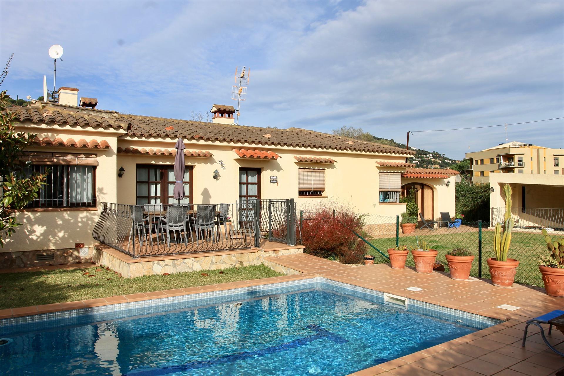 Villa pepper,Villa in Calonge, Catalonia, Spain  with private pool for 6 persons...