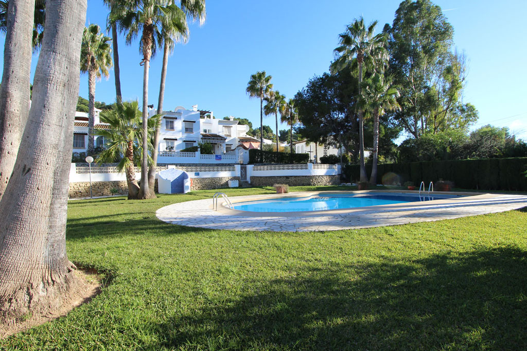 Casa Coco, Lovely and cheerful holiday home in Moraira, on the Costa Blanca, Spain  with communal pool for 4 persons...