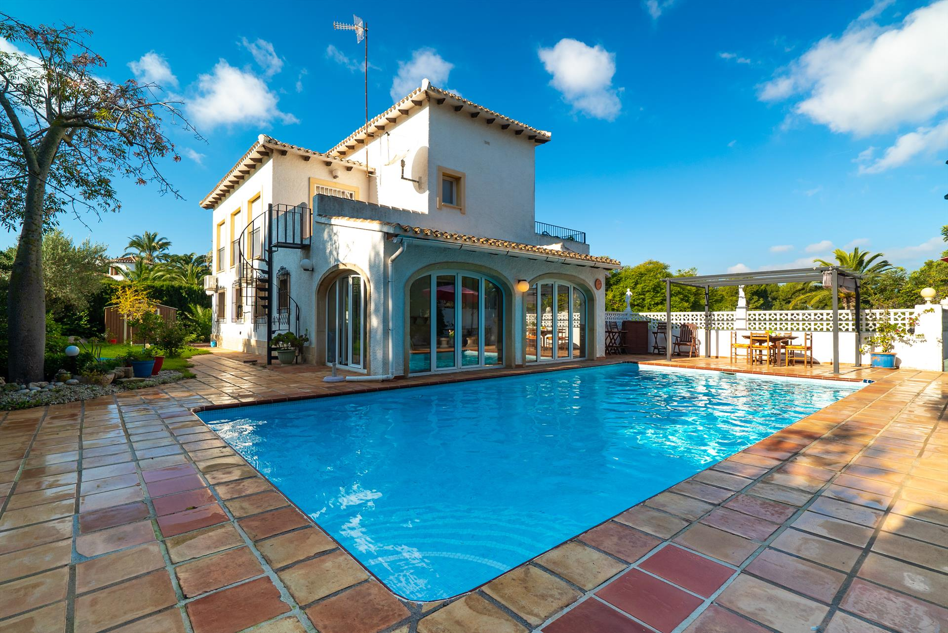 Calman, Beautiful and comfortable villa  with private pool in Javea, on the Costa Blanca, Spain for 6 persons...