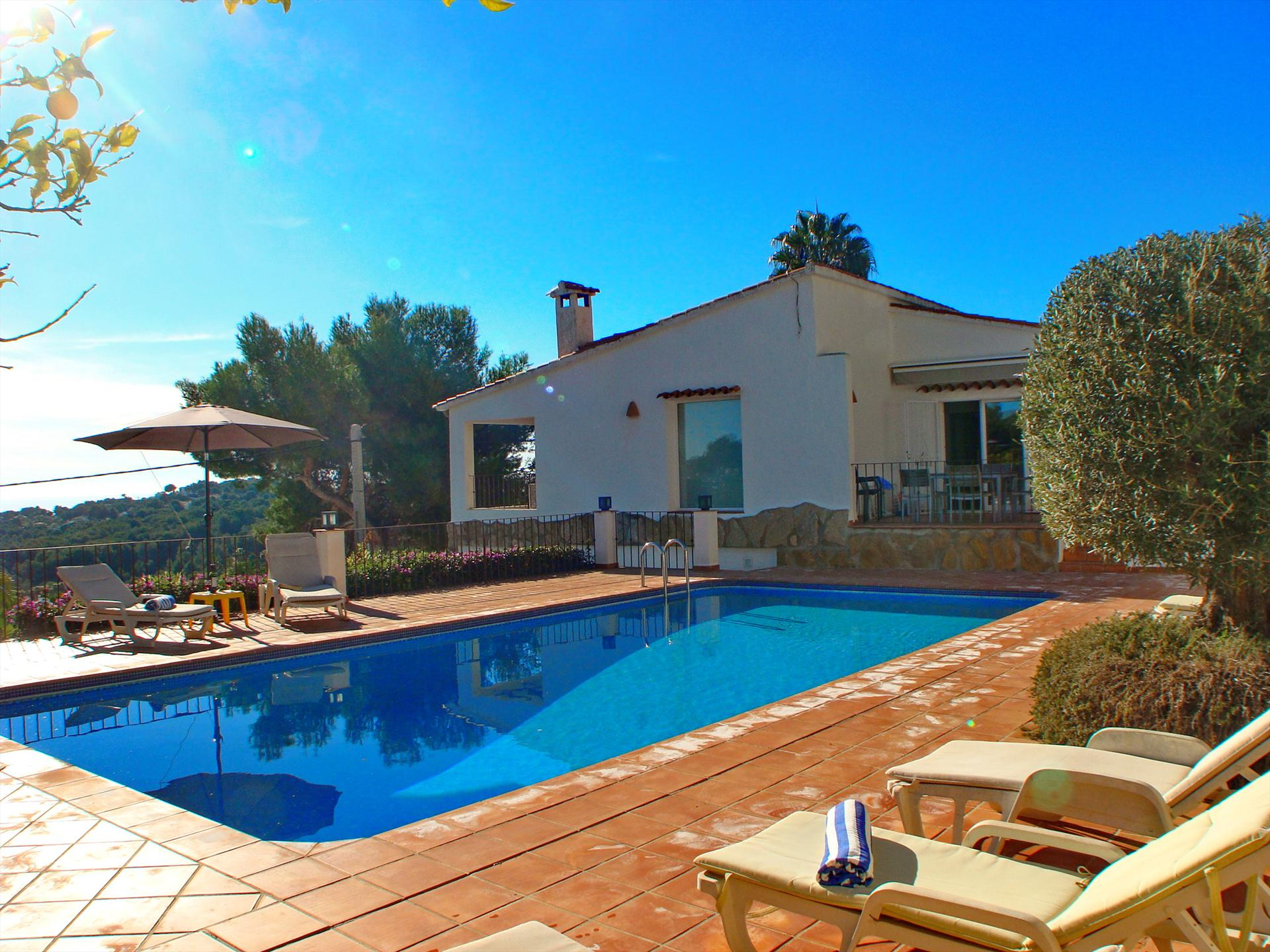 El Olivo Solidays, Wonderful villa  with private pool in Moraira, on the Costa Blanca, Spain for 7 persons.....