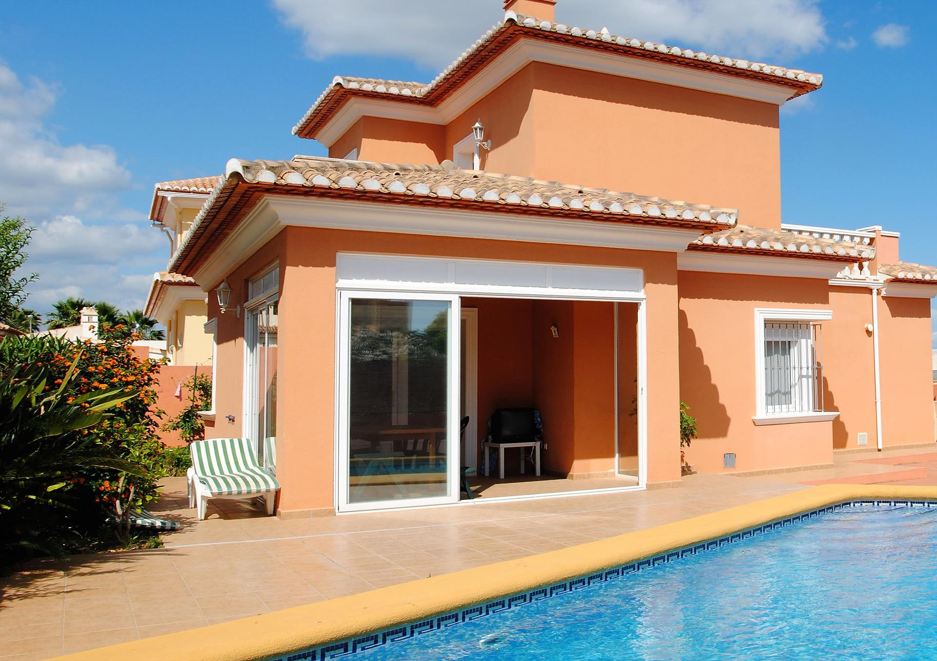 CH3208, Large and comfortable holiday house in Denia, on the Costa Blanca, Spain  with private pool for 6 persons.....