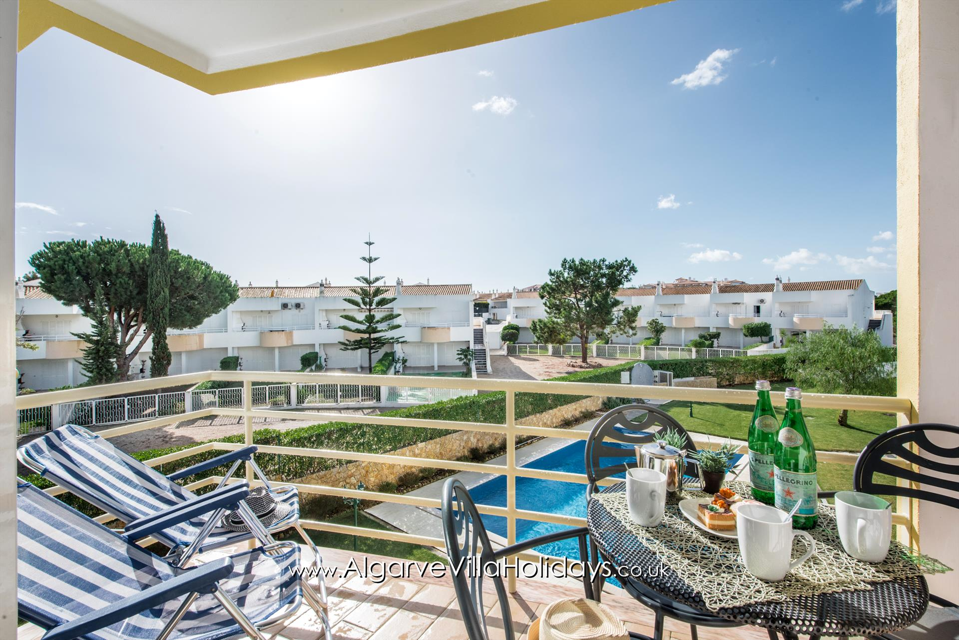 Apartment 1A Gale Garden, Lovely and comfortable apartment in Galé, on the Algarve, Portugal for 4 persons.....