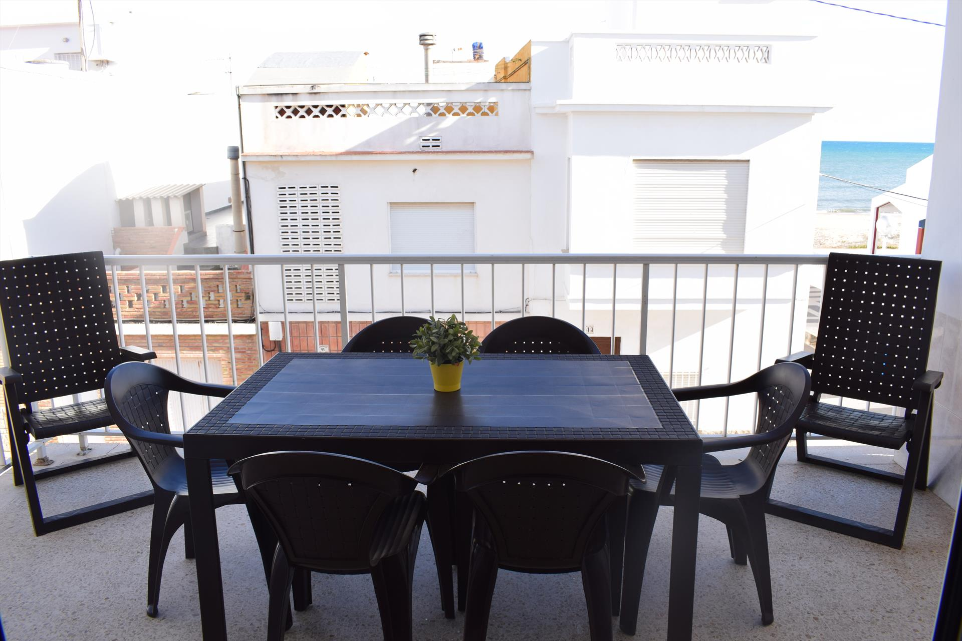 AP1000 Playa Pau Pi, Beautiful and romantic apartment in Oliva, on the Costa Blanca, Spain for 5 persons.....