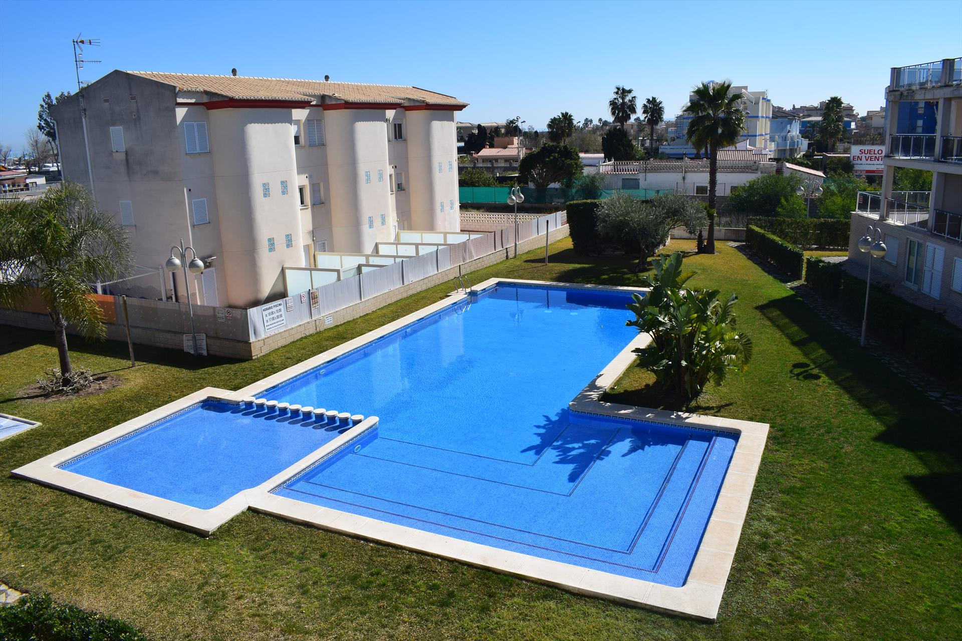 AP470 Vora Golf II Playa Rabdells, Modern and comfortable apartment  with communal pool in Oliva, on the Costa Blanca, Spain for 4 persons.....