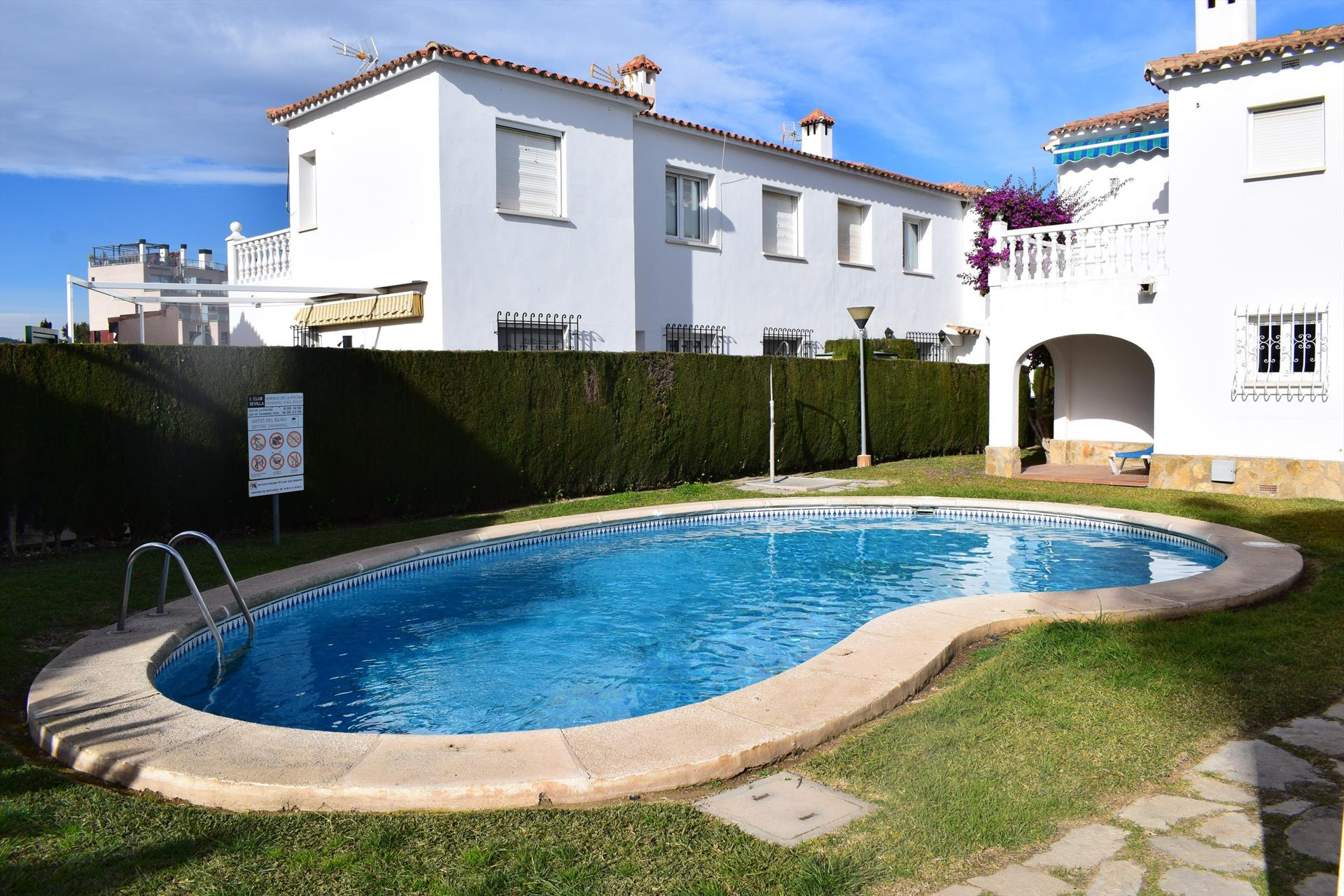 AP617, Wonderful and comfortable apartment  with communal pool in Oliva, on the Costa Blanca, Spain for 4 persons.....