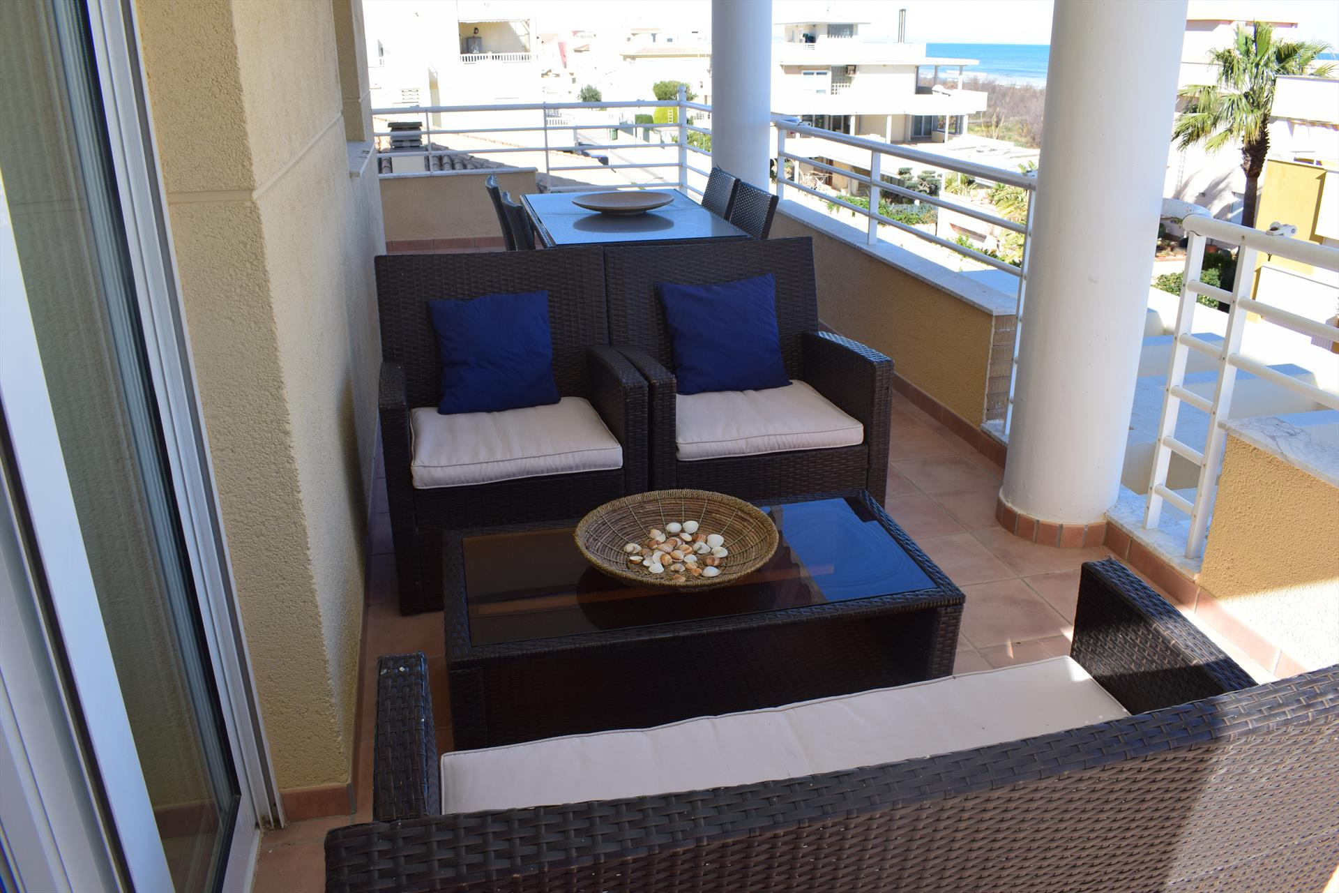 AP824, Large and cheerful apartment in Oliva, on the Costa Blanca, Spain for 5 persons.....