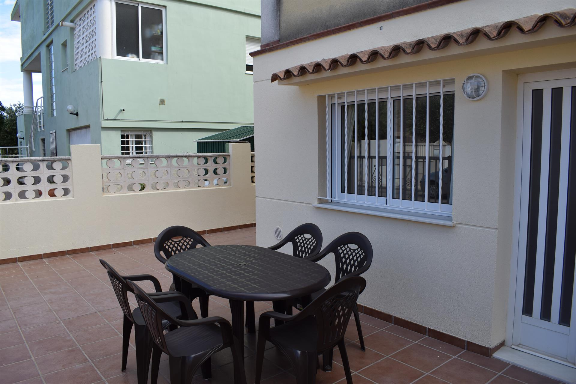 PB632, Large and cheerful apartment in Oliva, on the Costa Blanca, Spain for 6 persons.....