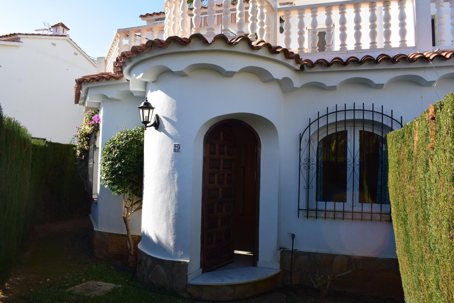 VI4015 Villa Velazquez Oliva Nova, Beautiful and cheerful holiday house  with communal pool in Oliva, on the Costa Blanca, Spain for 6 persons.....