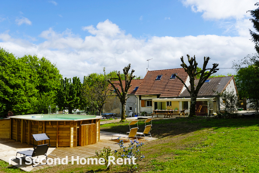 La Basserie,Lovely and comfortable holiday home  with private pool in Arquian, Burgundy, France for 10 persons.....