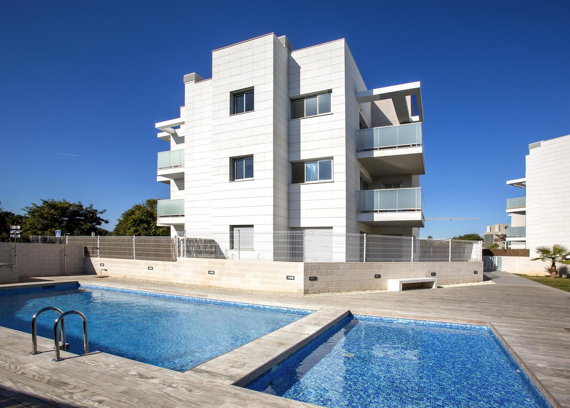 La Haya I, Modern and comfortable apartment in Javea, on the Costa Blanca, Spain  with communal pool for 6 persons...