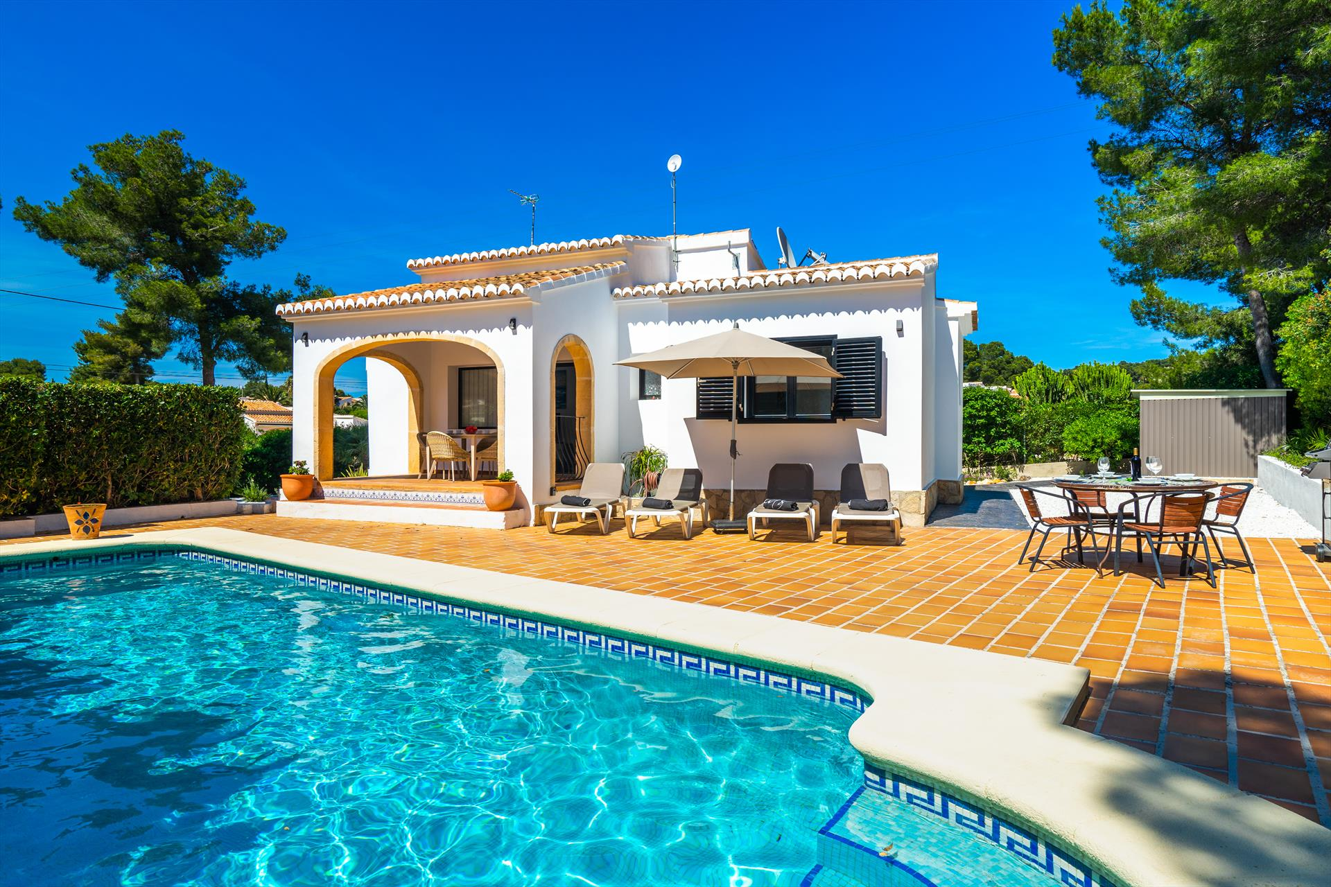 Josefine, Beautiful and comfortable holiday home in Javea, on the Costa Blanca, Spain  with private pool for 6 persons.....