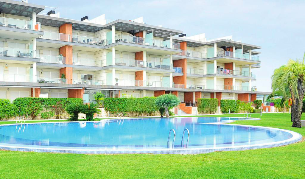 AP322 Albatros Playa San Fernando, Modern and comfortable apartment  with communal pool in Oliva, on the Costa Blanca, Spain for 4 persons.....