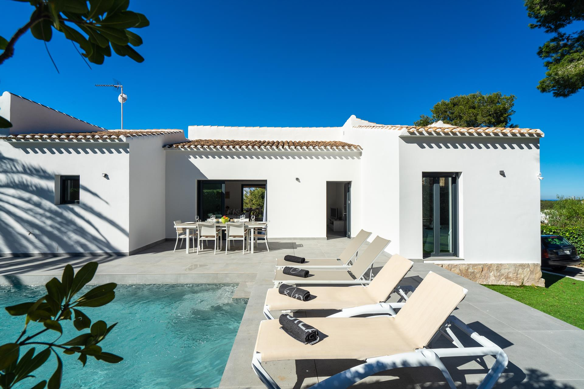 Marita,Beautiful and comfortable holiday home in Javea, on the Costa Blanca, Spain  with private pool for 8 persons...