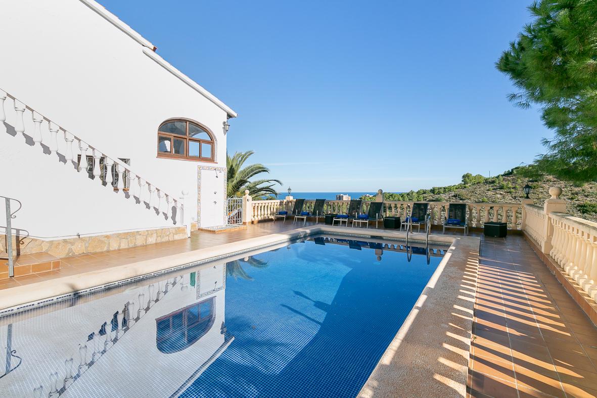 Casa Berg 8,Grote en comfortabele villa  met privé zwembad in Denia, aan de Costa Blanca, Spanje voor 8 personen...