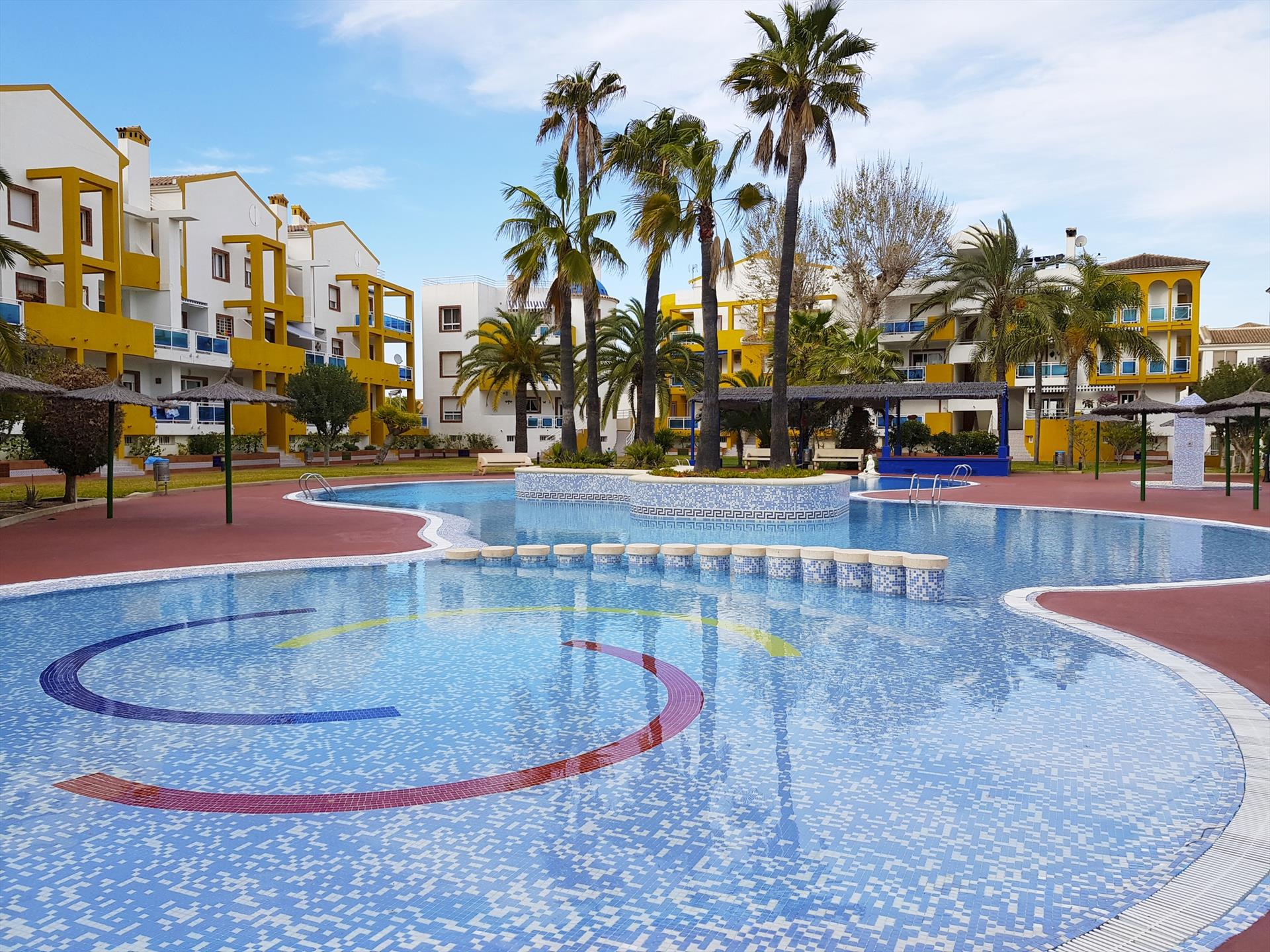 AP102 Playa de San Fernando, Beautiful and romantic apartment  with communal pool in Oliva, on the Costa Blanca, Spain for 4 persons.....