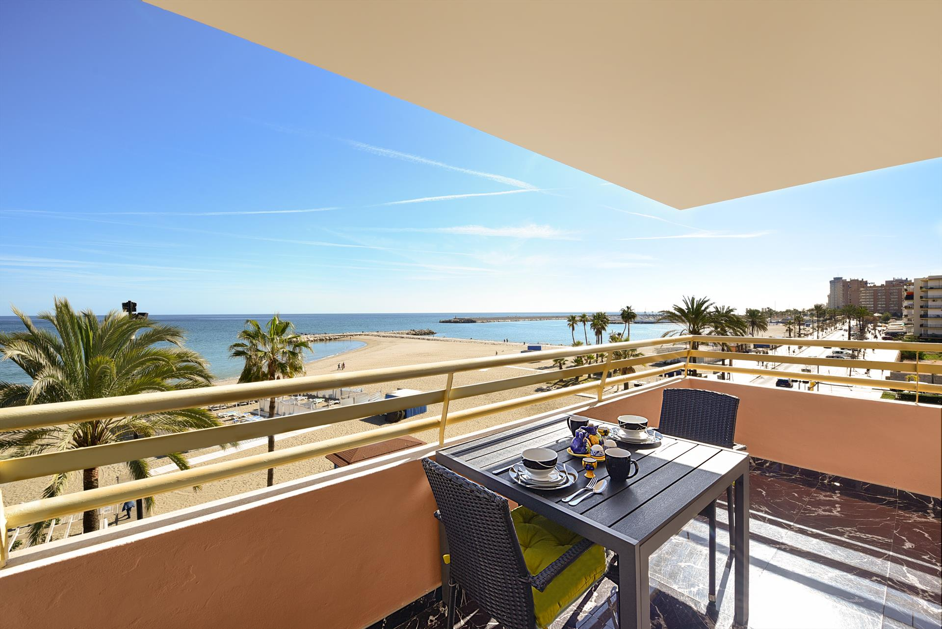 Stella Maris, Modern and cheerful apartment in Fuengirola, Andalusia, Spain  with communal pool for 2 persons.....