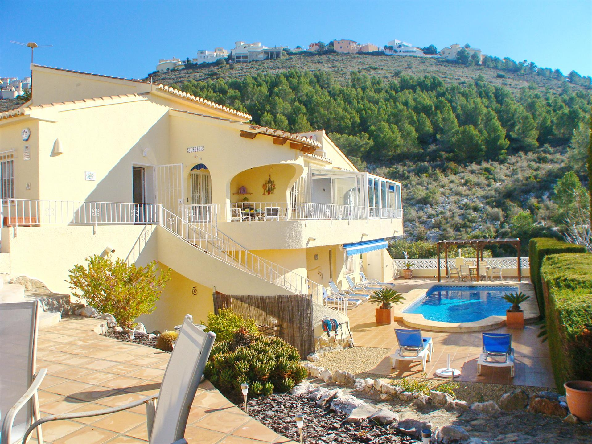 Villa Al Zhara Solidays, Large and cheerful villa  with private pool in Moraira, on the Costa Blanca, Spain for 6 persons.....