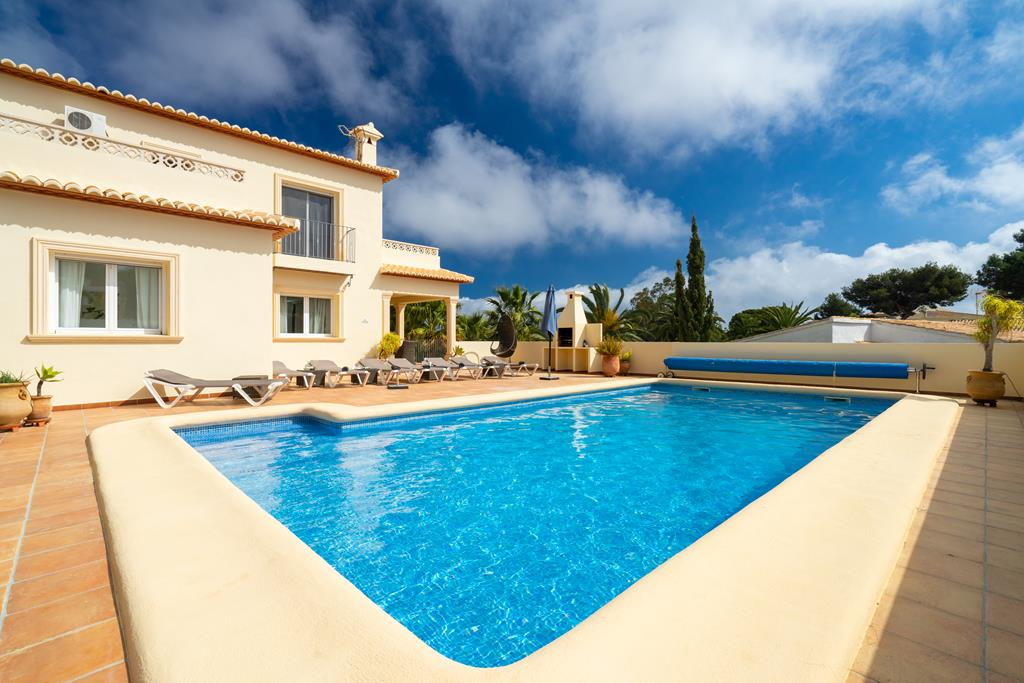 Vista Ibiza 4, Modern and comfortable villa in Javea, on the Costa Blanca, Spain  with private pool for 4 persons...