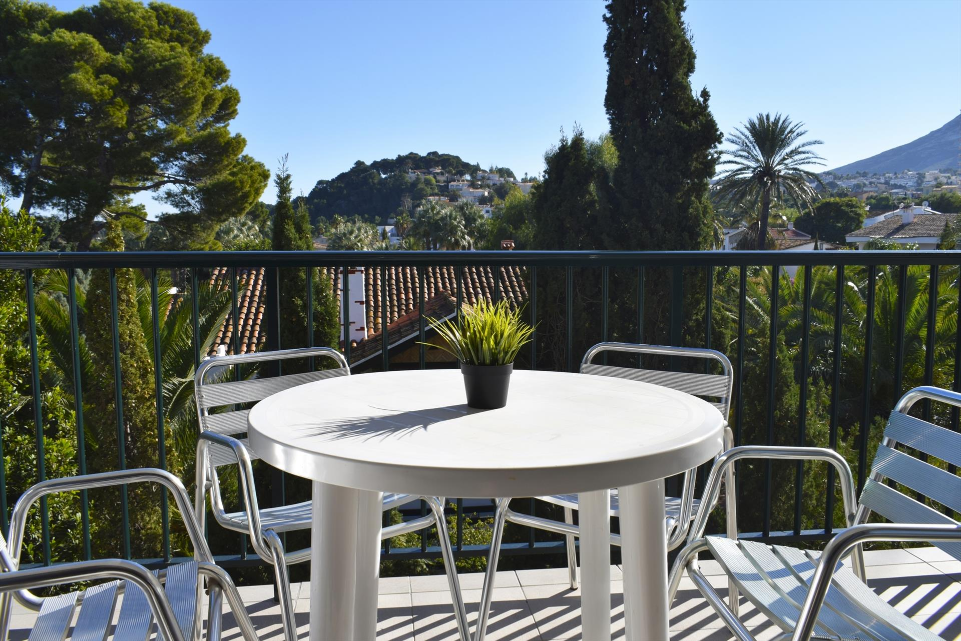 AP3205 Frente a la Playa y junto al Centro de Denia, Beautiful and comfortable apartment in Denia, on the Costa Blanca, Spain for 6 persons.....