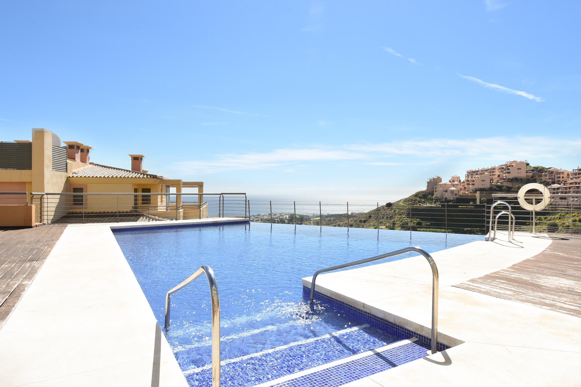 Campos del Mar 287, Beautiful and cheerful apartment  with communal pool in Mijas costa, Andalusia, Spain for 4 persons.....